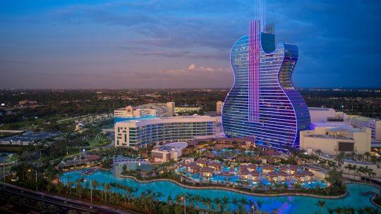 Seminole Hard Rock Hotel & Casino dan Thunder Valley Casino Resort
