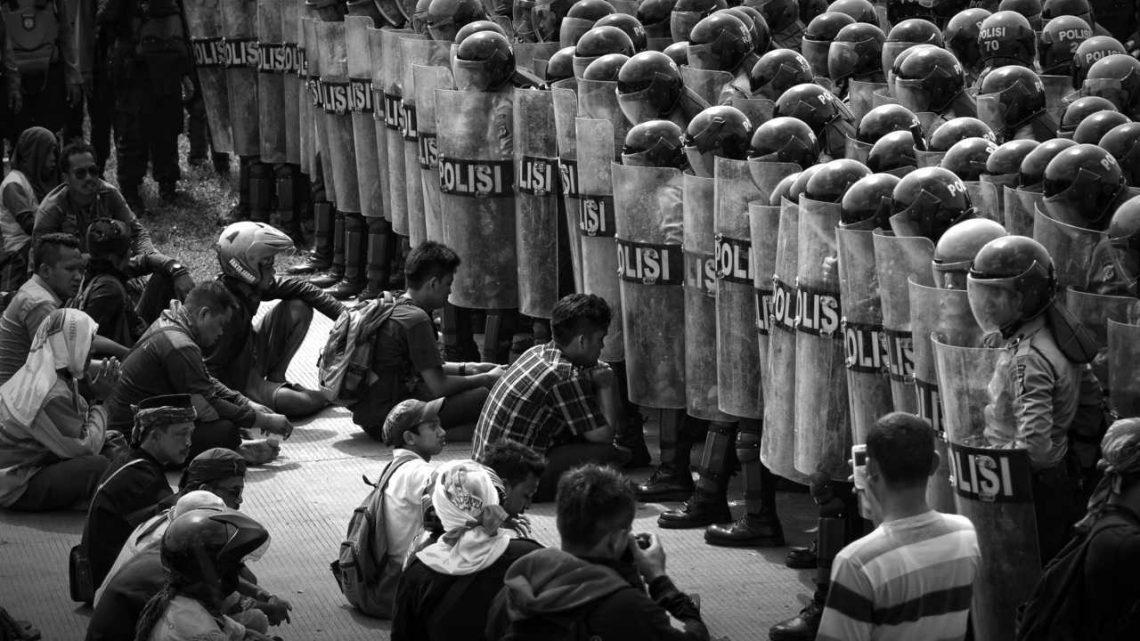 Mempelajari Kebijakan Yang Melanggar Hak Asasi Manusia Di AS
